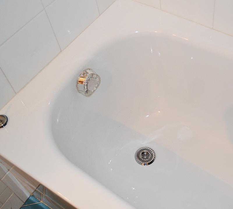 Washbasin strainer for shower use